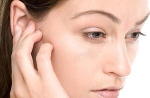 Как выгнать воду из среднего отдела уха