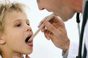 Причины сухого покашливания у ребенка