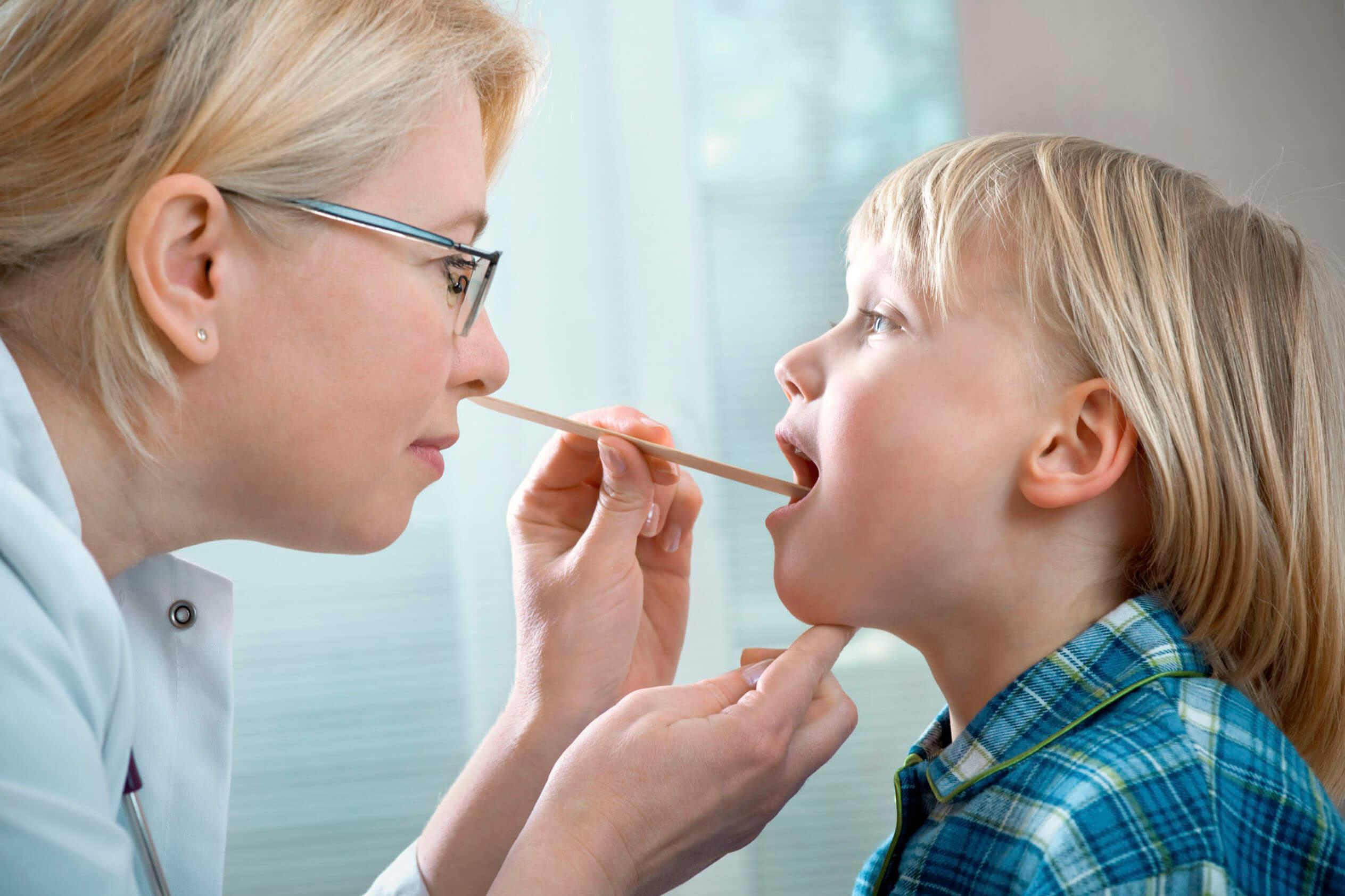 Безопасное лечение при ларингите у детей, возможные осложнения