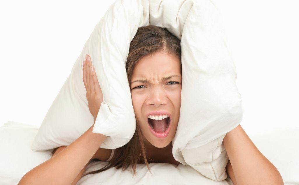 Признаки воспаления уха и эффективное лечение в домашних условиях