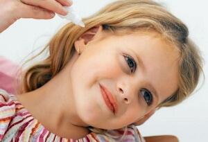 Лечение отита у детей медикаментозными препаратами