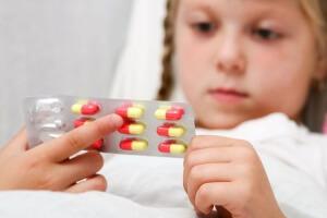 Эффективные таблетки для детей при влажном кашле
