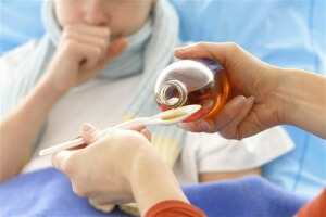 Эффективное лечение влажного кашля с помощью медикаментозных препаратов
