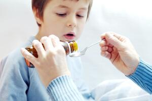 Сиропы для детей от влажного кашля: виды, описание и применение
