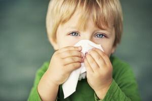 Особенности развития насморка с зелеными соплями у ребенка