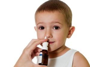 Аллергический насморк у детей - лечение спреями: виды и применение