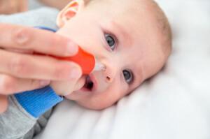 Безопасное лечение насморка у грудного ребенка