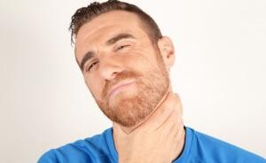Мокрота в горле может быть признаком и спутником разных заболеваний