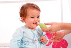 Промывание носа - эффективная и безопасная методика лечения насморка у грудничка