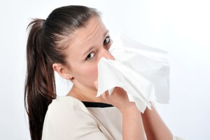 Безопасное лечение постоянной заложенности носа может назначить только врач