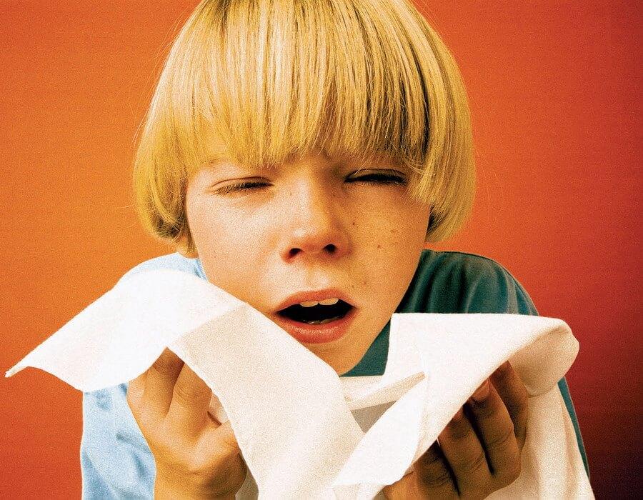 Самые лучшие народные методы для лечения насморка у детей