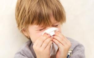 Присутствие у ребенка кашля с насморком без температуры признак начинающейся простуды либо аллергии