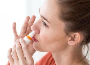 Эффективные капли от аллергического ринита может назначить врач в зависимости от возраста, причины и тяжести заболевания