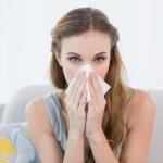 Существуют как физиологические, так и патологические факторы, которые могут вызвать заложенность носа