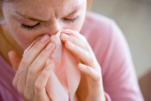 Отек слизистой носа, выделения, чихание, заложенность – признаки воспаления слизистой носа