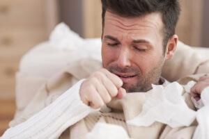 Кровь в мокроте по утрам – опасный признак, который может указывать на опасное заболевание нижних дыхательных путей