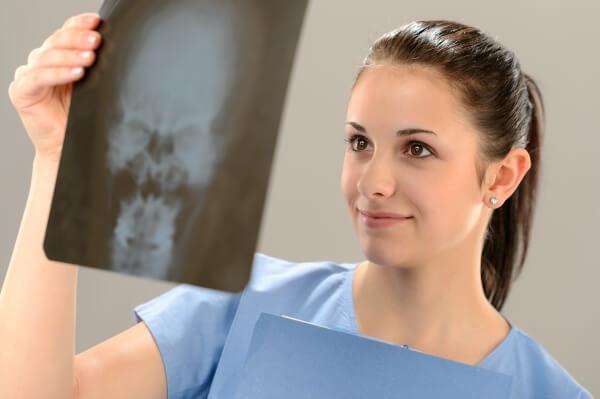 Рентгенография придаточных пазух носа: процедура и расшифровка снимка