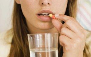 Медикаментозное лечение зависит от причины возникновения фарингита и дополнительной симптоматики недуга