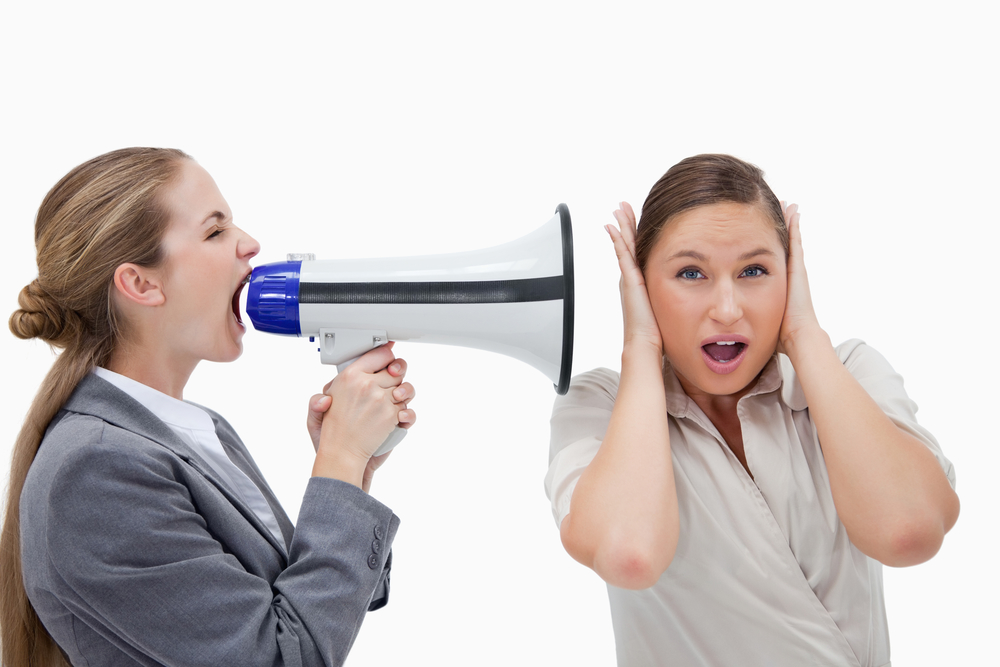 Почему возникает шум в ушах и что делать?