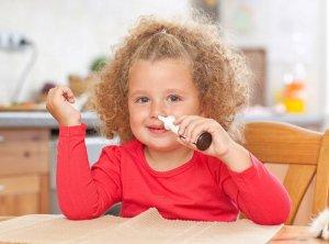 Увлажняющие спреи в нос – это безопасное средство для лечения и профилактики насморка у детей