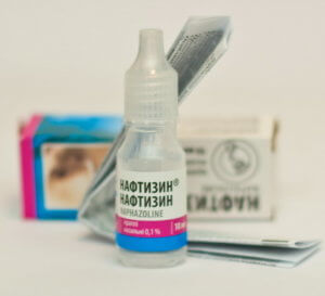 Нафтизин – это эффективный препарат, который обладает сосудосуживающим и противовоспалительным действием