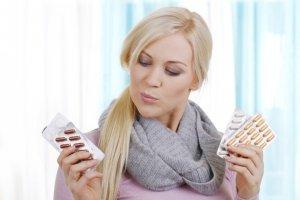 Лекарства от ларингита назначаются врачом в зависимости от причины его возникновения и формы недуга