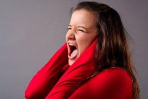 Звон в ушах – это тревожный симптом, который нельзя игнорировать!