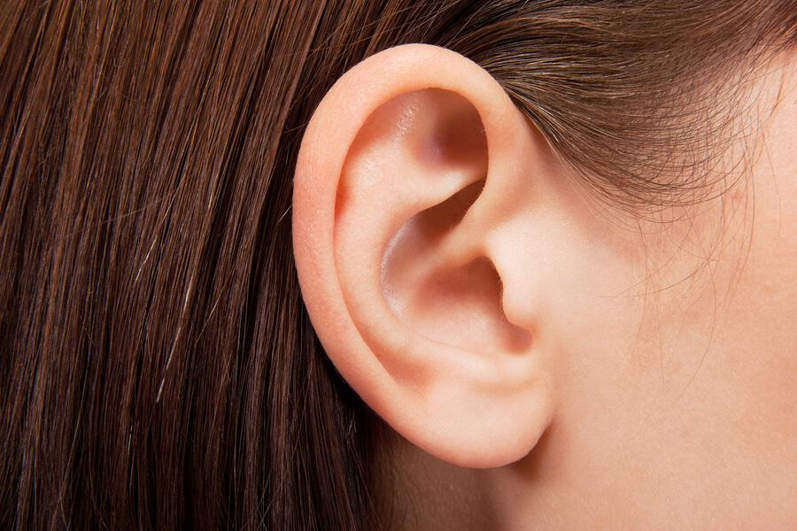 Как правильно промыть уши в домашних условиях?