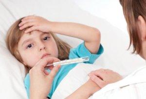 Чаще всего температура нормализуется через несколько дней после начала лечения ангины