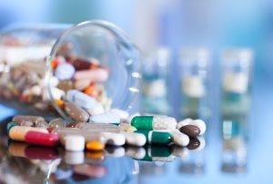 Медикаментозное лечение зависит от причины возникновения изжоги и дополнительно симптоматики