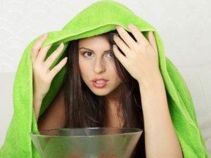 Паровые ингаляции помогают очень быстро избавиться от заложенности носа в домашних условиях