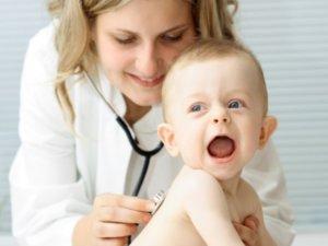 Влажный кашель – это кашель, который сопровождается выделением мокроты из бронхов