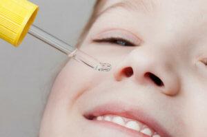 Как правильно использовать сложные капли в нос детям