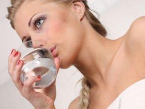 Полоскание горла поможет быстро вылечить тонзиллит