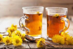 Чай из мать-и-мачехи поможет быстро избавиться от сухого кашля