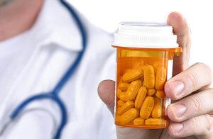 Антибиотики подбирают строго индивидуально в зависимости от того, какой возбудитель спровоцировал развитие болезни