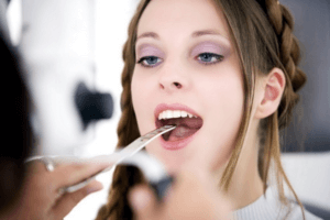 Дифтерия глотки – острое инфекционное заболевание, вызванное дифтерийной палочкой