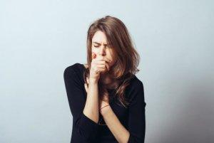 Сухой кашель может быть симптомом целого ряда заболеваний!