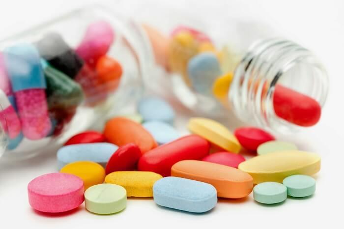 Таблетки, подавляющие кашель: назначение и список лучших