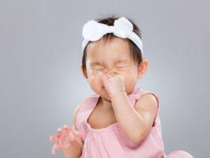 Чаще всего причиной заложенности носа являются вирусы, бактерии или аллергены