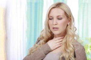 Раствор Фурацилин быстро вылечит больное горло