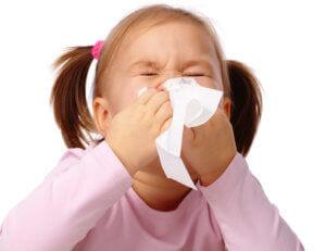 Спрей помогает облегчить носовое дыхание во время лечения ринитов