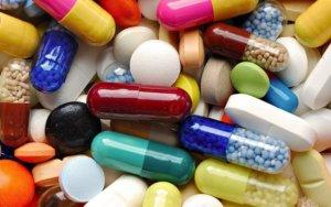 Медикаментозная терапия зависит от стадии и формы заболевания