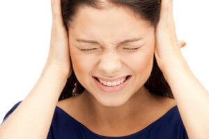 Запущенный звон в ухе может вызвать серьезные осложнения!