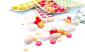 Лечение ларинготрахеита комплексное и зависит от симптомов