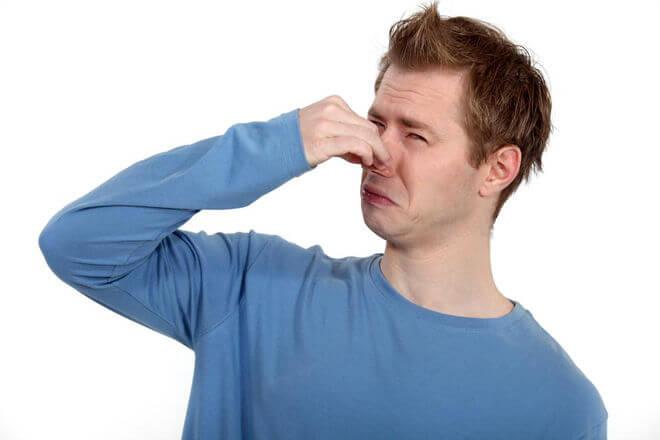 Неприятный запах из носа: основные причины симптома