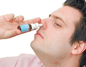 Медикаментозные препараты от насморка назначает врач в зависимости от причины и возраста