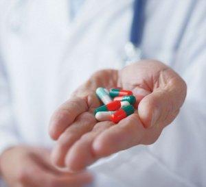 Медикаментозная терапия зависит от причины и стадии болезни