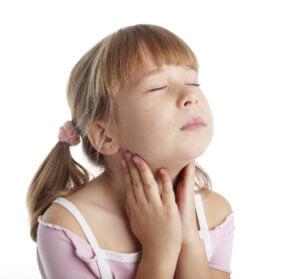 Запущенная катаральная ангина может вызвать хронический тонзиллит