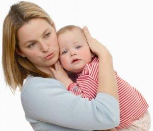 Нельзя лечить боль в ухе у ребенка, не зная точной причины